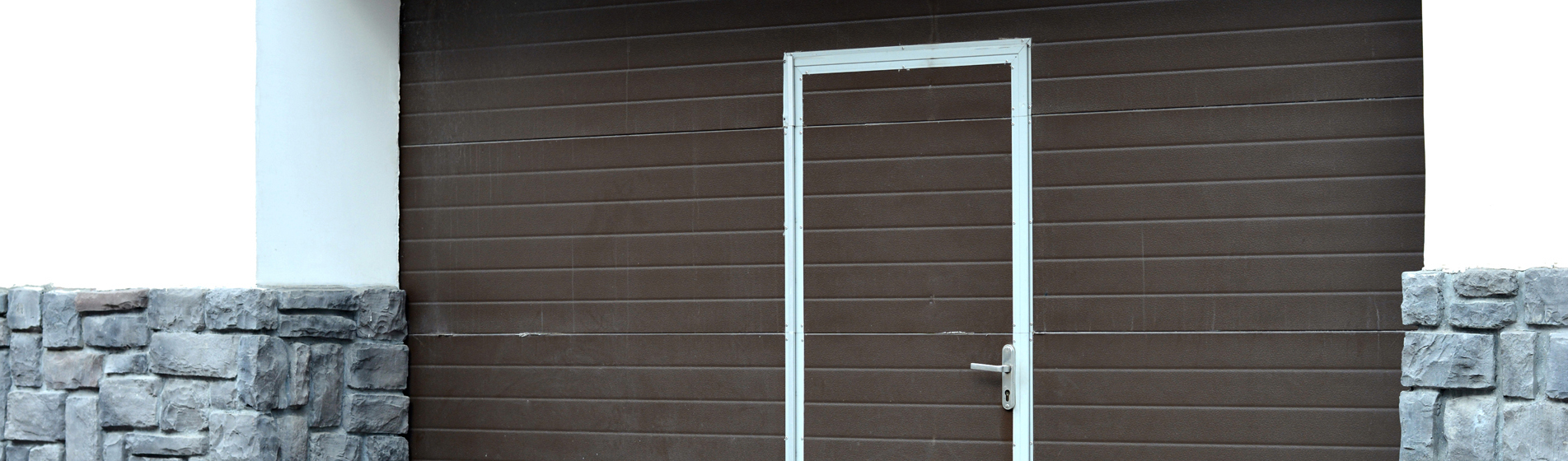 porte de garage enroulable avec portillon 84 Vaucluse