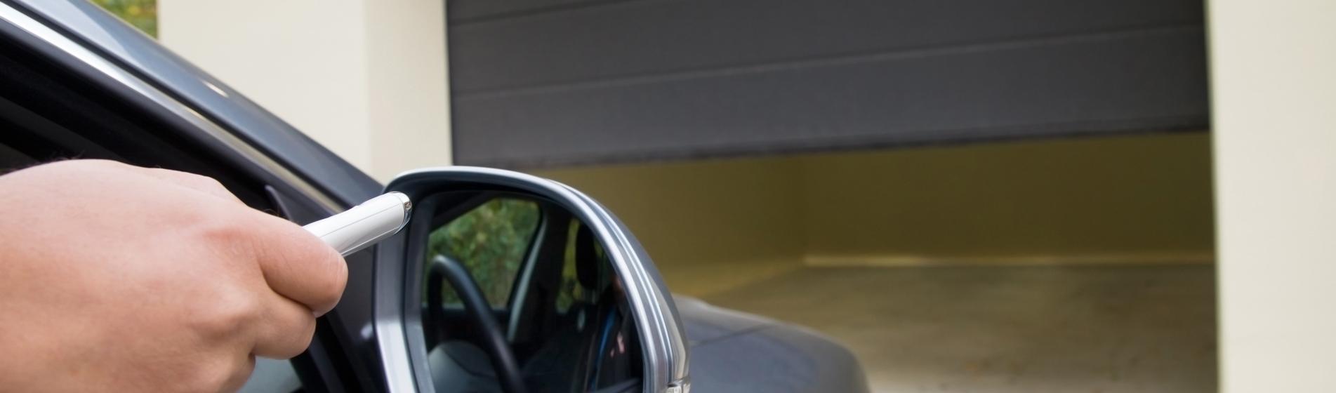 rénovation porte de garage avec portillon Cavaillon