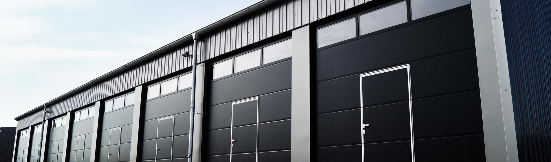 rénovation porte de garage sur-mesure 84300