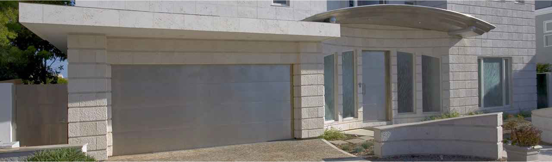 prix porte de garage alu Pertuis